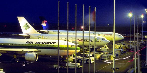 Avions Air Afrique à l'aéroport Houphouët-Boigny d'Abidjan.