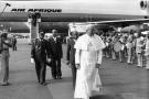 Jean-Paul II accueilli par Félix Houphouët-Boigny à Abidjan, en 1980.