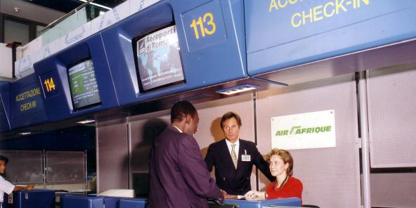 Comptoir Air Afrique, à l'aéroport de Rome.