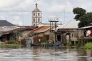 Une église au bord de la rivière nun près de Yenagoa, dans le Sud du Nigeria