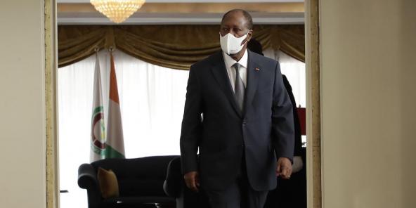 Alassane Ouattara, à son arrivée au conseil des ministres, ce mercredi 24 mars 2021.