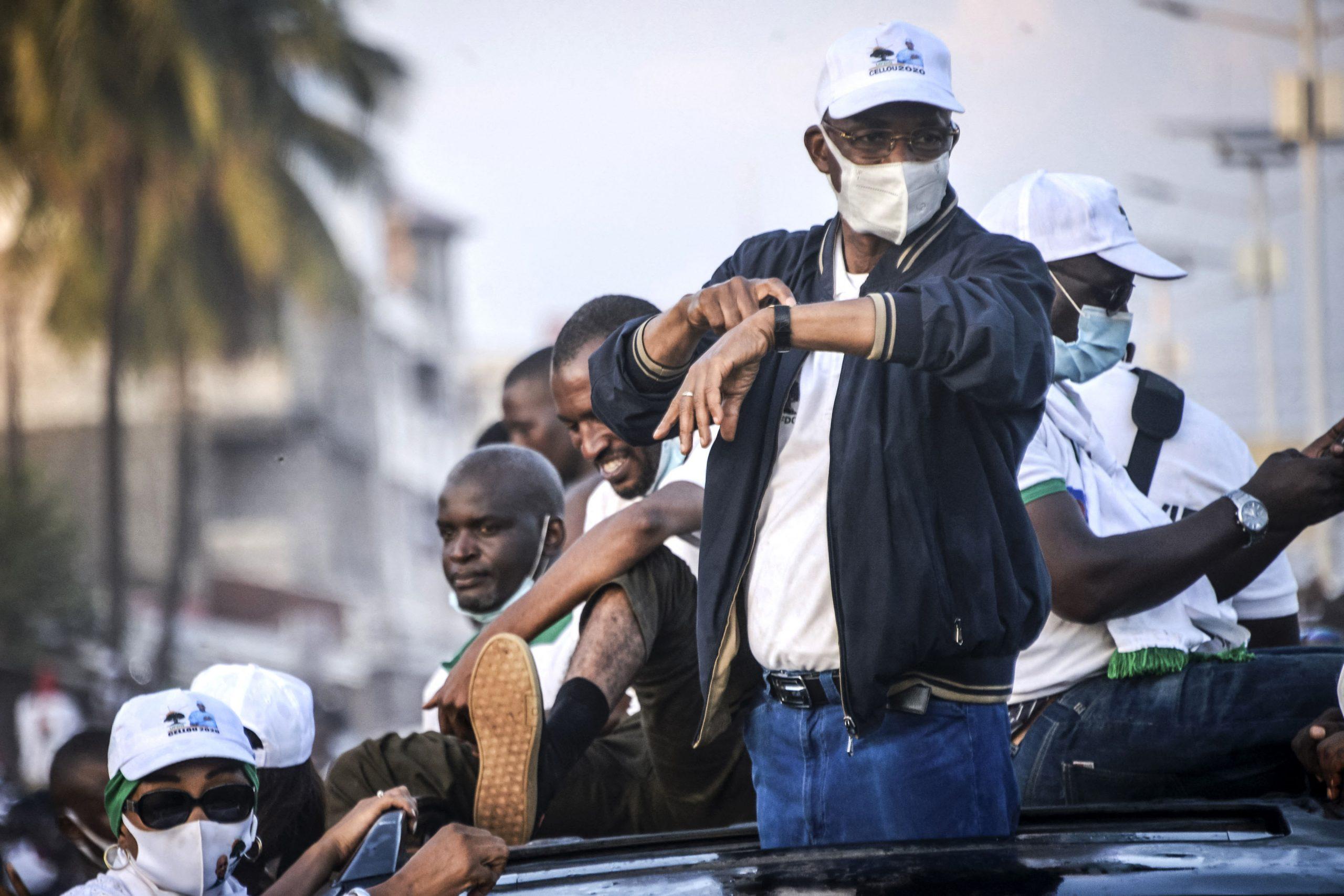 Cellou Dallein Diallo, lors d'une marche à Conakry, le 15 octobre 2020.