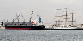 Tema, principal port du Ghana.