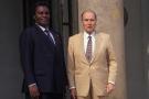 Le président du Rwanda Juvenal Habyarimana reçu au Palais de l'Elysée par le président Francois Mitterrand, le 17 juillet 1992 à Paris.