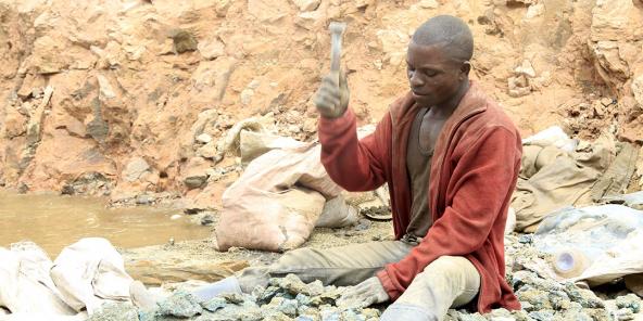 Mine artisanale de cobalt à Tulwizmbe, au Katanga.