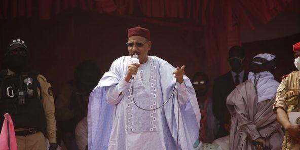 Mohamed Bazoum, le président nigérien, ici lors d'un meeting, a été officiellement investi le 2 avril 2021 à la tête du pays.