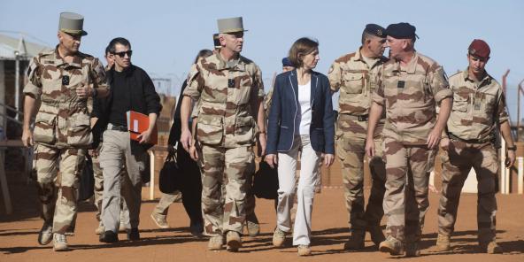 Florence Parly, ministre française des Armées, et le général Lecointre, chef d'état-major des armées, à Gao le 27 novembre 2019.