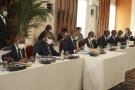 Le gouvernement dirigé par le Premier ministre Patrick Achi (au centre, lors du conseil des ministres du 24 mars 2021), est composé de 41 membres.