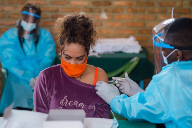 Covid-19 : à Madagascar, la riposte face au variant sud-africain
