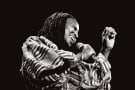 La chanteuse sud-africaine Miriam Makeba au festival de jazz de la mer du Nord en Hollande en 1984.