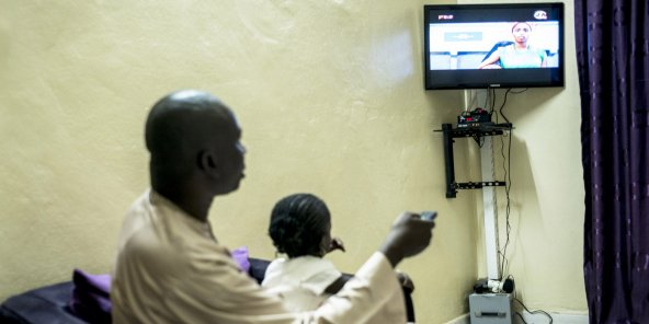 Le CNRA a ordonné aux chaînes privées Walf TV et Sen TV de couper leurs signaux pendant 72 heures (ici à Dakar).