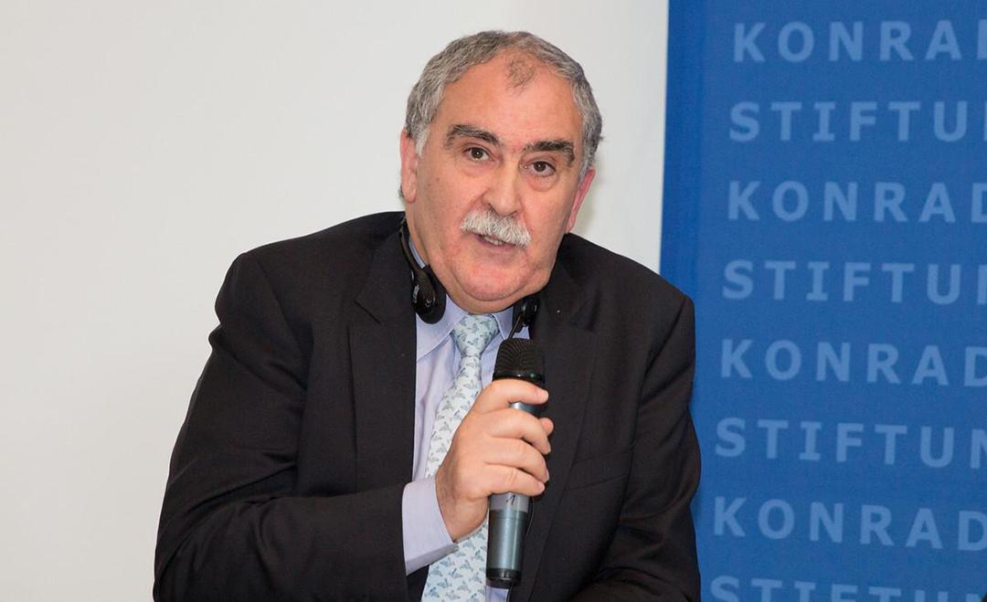 Mustapha El Haddad, auteur de «L'Embrigadement des jeunes pour le jihad, le paradoxe tunisien».