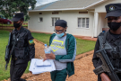 Beatrice Munyenyezi arrive au tribunal le 28 avril 2021