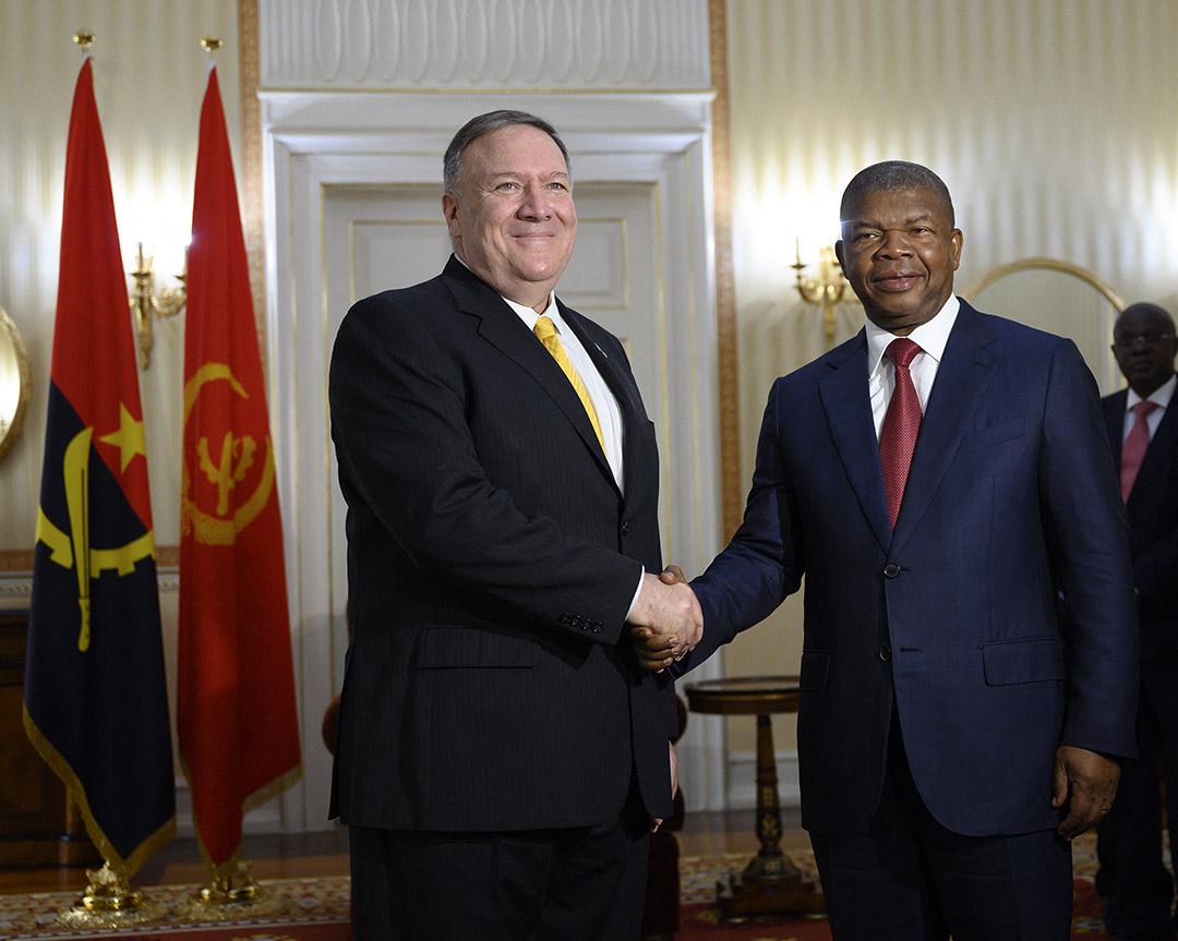 João Lourenço com o Secretário de Estado dos EUA Mike Pompeo, em Luanda, 17 de fevereiro de 2020.