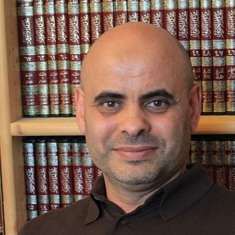 Abbas Aroua, professeur à l'université de Lausanne, crée des contenus sur la chaîne YouTube de Rachad.