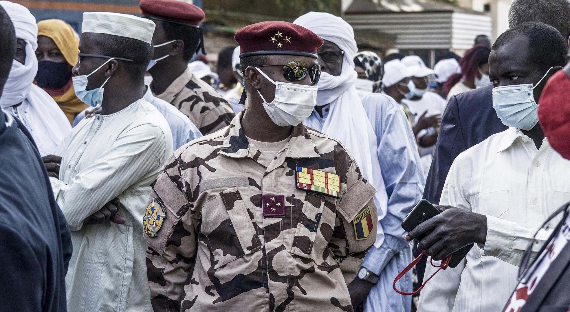 Chef du Conseil militaire de transition (CMT), Mahamat Idriss Déby occupe désormais la fonction de président de la République.