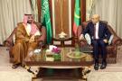 Le président mauritanien Mohamed OuldGhazouani avec le prince héritier d'Arabie saoudite Mohammedben Salmane, le 26 février 2020 à Riyad.