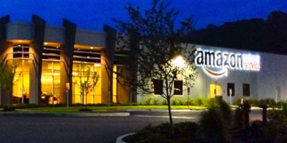 Vue d'un centre Amazon, à Huntington, en Virginie occidentale, aux États-Unis. Image d'illustration.