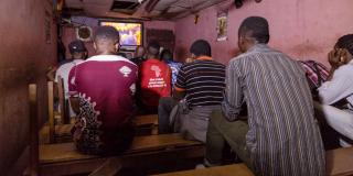 Yaoundé : un vidéo-club accueille chaque semaine des homosexuels pour leur prodiguer des conseils en matière d'hygiène sexuelle afin de lutter contre le VIH.