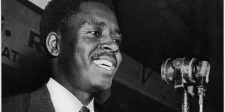 Félix Moumié, leader de l'UPC-l'Union des Populations du Cameroun, en 1961, à Conakry.