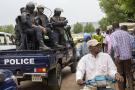 Des policiers maliens le 25 mai 2021 à Bamako, après l'arrestation du président et du chef du gouvernement.