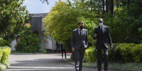 Emmanuel Macron et Paul Kagame, le 27 mai 2021 à Kigali.