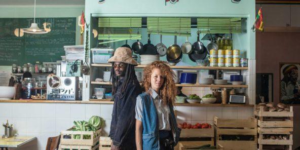 Daqui Gomis et Coralie Jouhier ont ouvert Jah Jah by Le Tricycle en mai 2017 à Paris.
