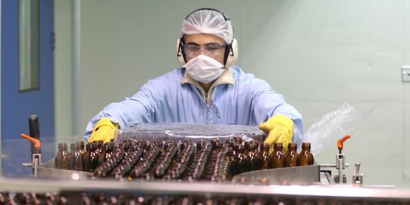 Les sites de production de médicaments intéressent particulièrement les sociétés d'investissement. Ici, au Caire.