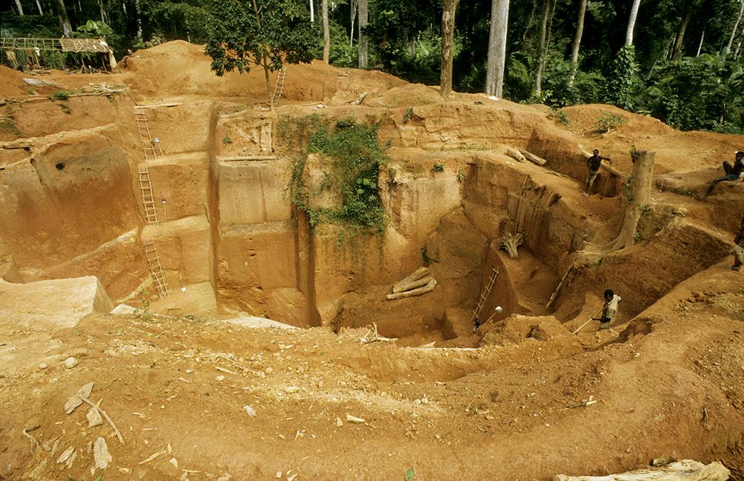 La mine d'or de Batouri, au Cameroun.