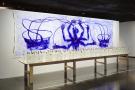 Dessin, aquarelle, sculpture, photographie, installation ou performance… Barthélémy Toguo use de ces différents médiums pour nous interroger sur notre humanité.