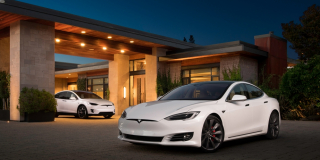 En Afrique du Sud, la patrie de naissance d'Elon Musk, la première Tesla, un modèle X, a seulement été importée en février 2021.