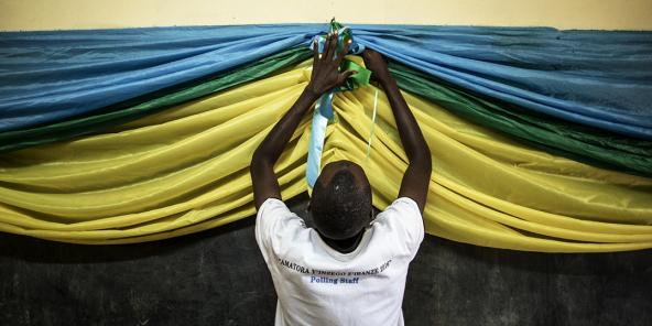 Dans un bureau de vote de Kigali, le 3 août 2017, à la veille de l'élection présidentielle rwandaise.