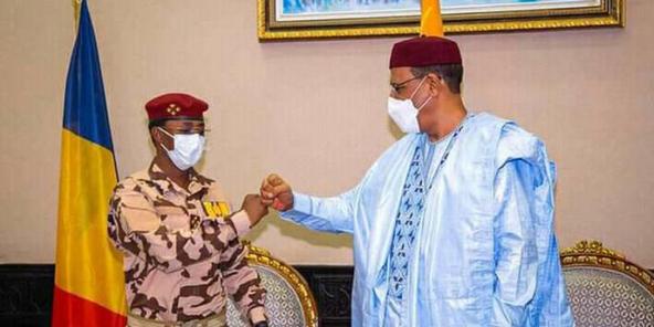 Mahamat Idriss Déby et Mohamed Bazoum à Niamey, au Niger.