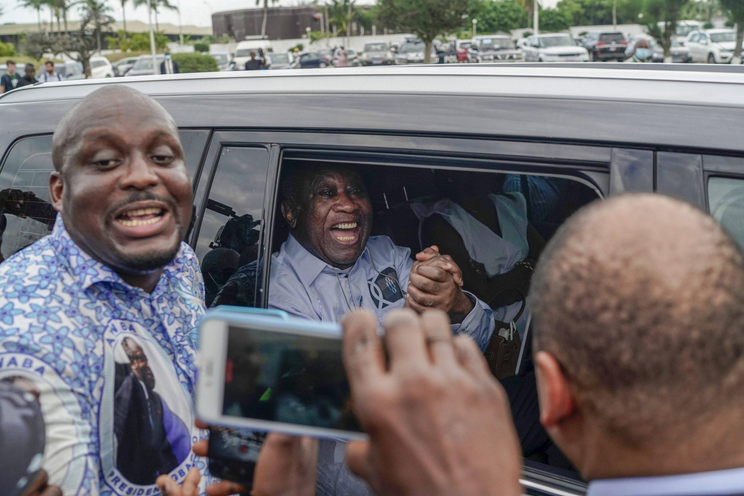 Laurent Gbagbo, à son arrivée à l'aéroport d'Abidjan, le 17 juin 2021.