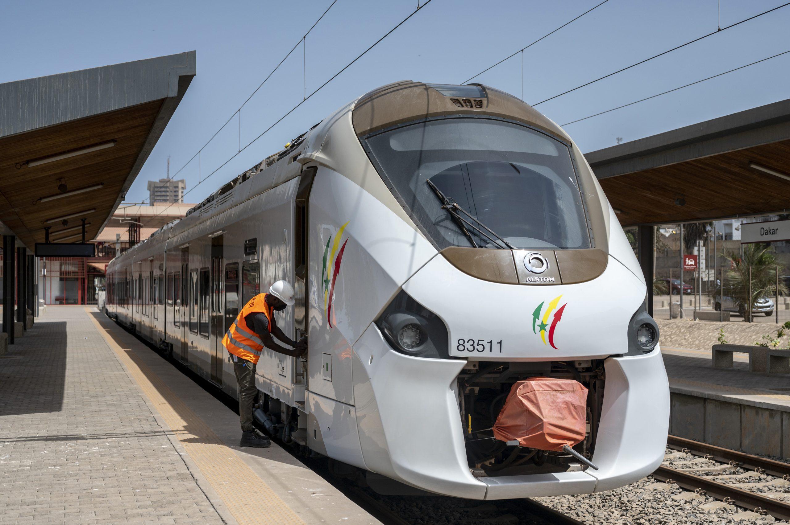 La gare de TER de Dakar est encore en phase d'essai. La mise en circulation est prévue entre la fin décembre 2021 et début d'année 2022.