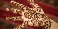 Les premières traces de henné remonteraient au temps des pharaons.
