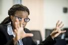 Depuis 2017, Vera Songwe dirige la Commission économique pour l'Afrique. Ici, lors d'une interview en décembre 2015 à Dakar. Elle était alors directrice régionale pour l'Afrique de l'Ouest du Centre de la société Financière Internationale (IFC)