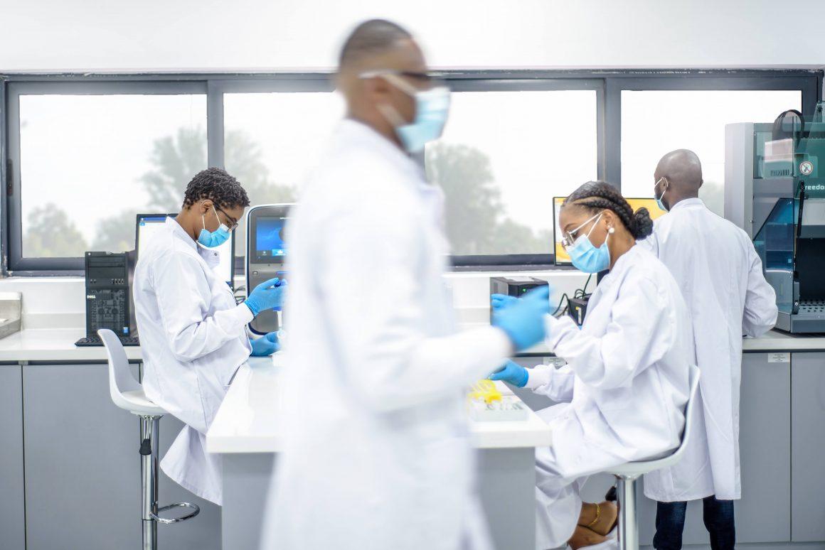 Selon la start-up 54Gene, moins de 3 % des données génomiques représentées dans la recherche proviennent de populations africaines.