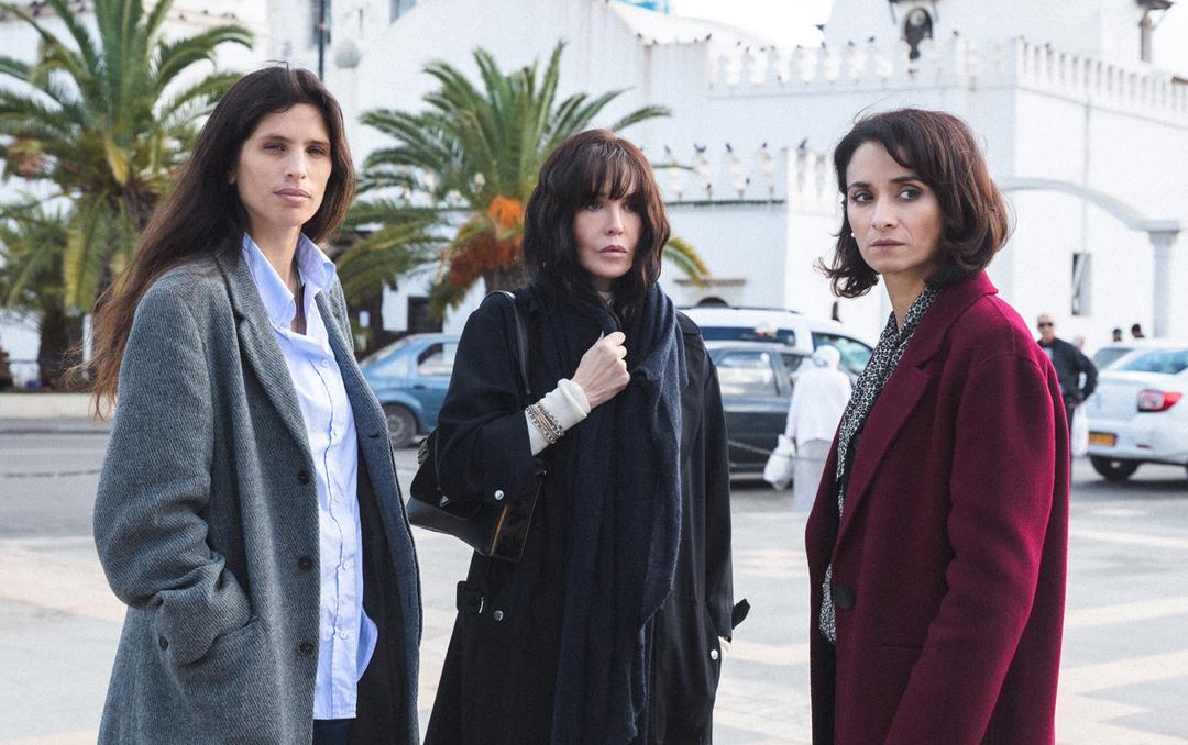 De gauche à droite, les actrices Maïwenn, Isabelle Adjani, et Rachida Brakni, à l'affiche de «Sœurs», long métrage de Yamina Benguigui.