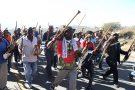 Des partisans de Jacob Zuma manifestent près de Nkandla, dans le KwaZulu Natal, le 1er juillet 2021.