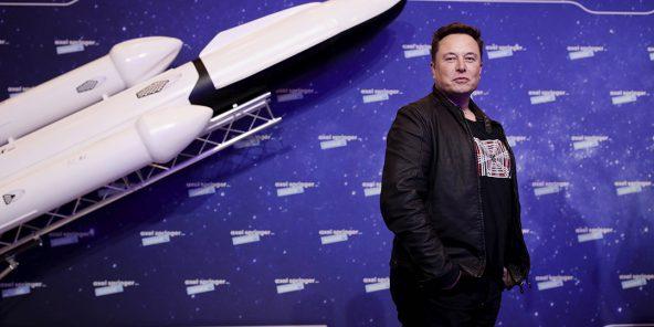 Elon Musk, propriétaire de SpaceX et PDG de Tesla, arrive sur le tapis rouge du prix Axel Springer pour les médias, à Berlin, en Allemagne, mardi 1er décembre 2020.