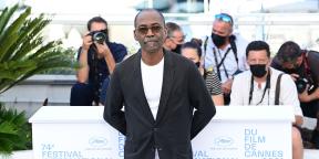 Le réalisateur Mahamat-Saleh Haroun assiste au photocall de son film «Lingui», le 09 juillet 2021 à Cannes.