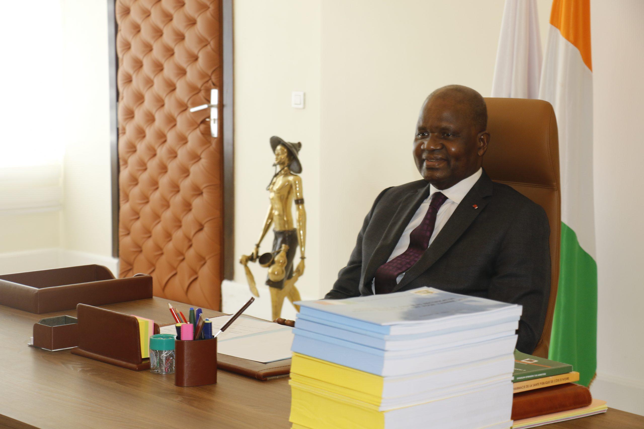 Amadou Soumahoro, dans son bureau de l'Assemblée nationale.