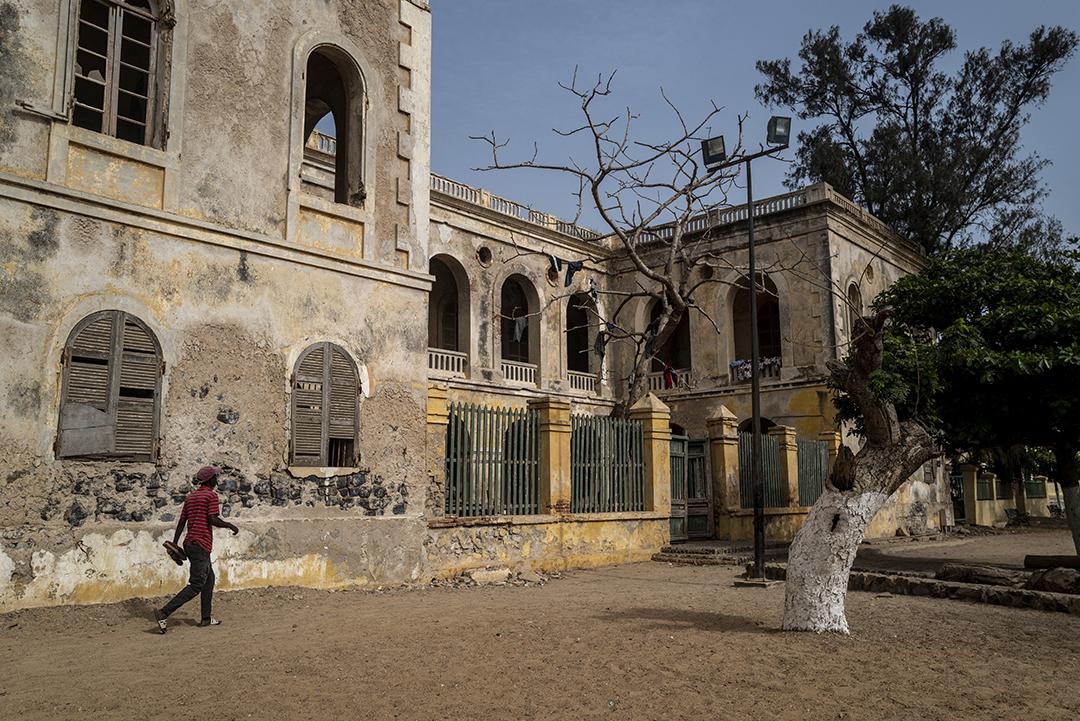 Symbole des vestiges laissés à l'abandon à Gorée : le Palais des gouverneurs, que beaucoup aimeraient racheter à l'État.