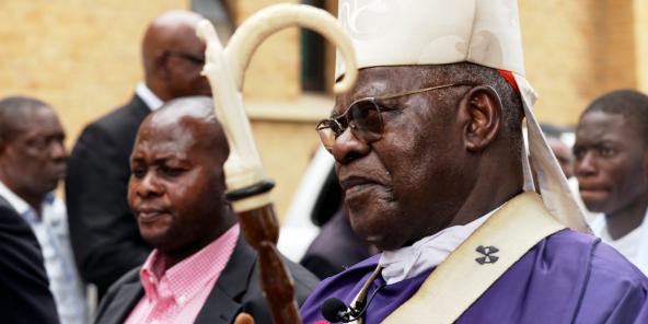 Le cardinal Laurent Monsengwo, décédé le 11 juillet 2021, ici devant la cathédrale Notre-Dame du Congo après une messe pour les citoyens tués lors de manifestations, à Kinshasa, en RDC, le 9 février 2018.