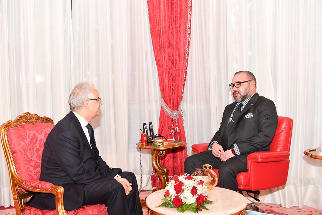 Nizar Baraka, tout juste élu secrétaire général de l'Istiqlal, s'entretient avec Mohammed VI, au palais de Rabat, le 25 octobre 2027.