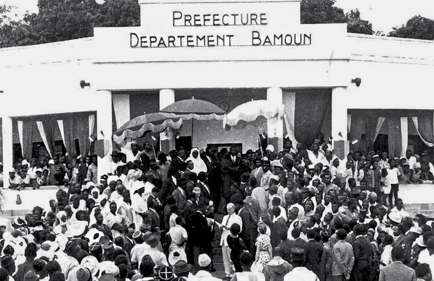 Lors d'une réunion en vue du lancement de la conférence de Foumban, le 17 juillet 1961.