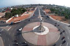 L'emblématique rond-point de la Colombe-de-la-Paix, à Lomé.