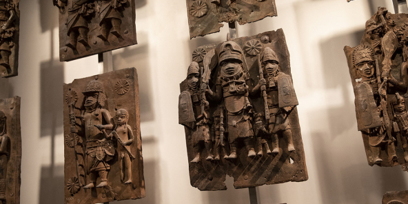 Des bronzes du Bénin au British Museum, le 22 novembre 2018, à Londres, en Angleterre.