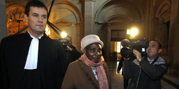 Agathe Habyarimana, veuve de l'ancien président rwandais Juvenal Habyarimana, au Palais de justice de Paris, le 10 janvier 2012.